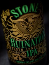 Stone Ruination Tenth Anniversary (bottle zoom)